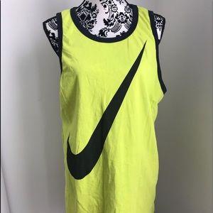 Nike shirt size xl